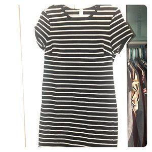 Old navy summer dress, stretchy & stripes